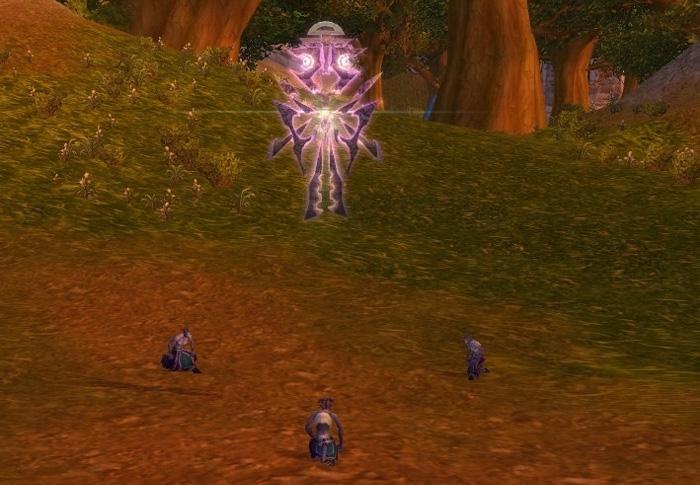 Utilisez cet objet et trois disciples s'agenouilleront autour d'un Naaru.