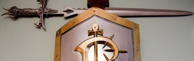 Cette épée et ce bouclier gage d'ancienneté chez Blizzard sont en vente actuellement sur Ebay