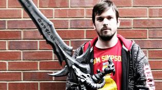 L'épée est très grande et mesure 1m30