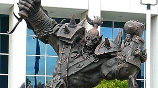 Statue trônant chez Blizzard à Irvine