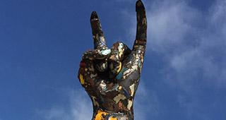 Une statue à l'effigie du metal