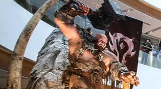 La statue d'Orgrim à l'exposition