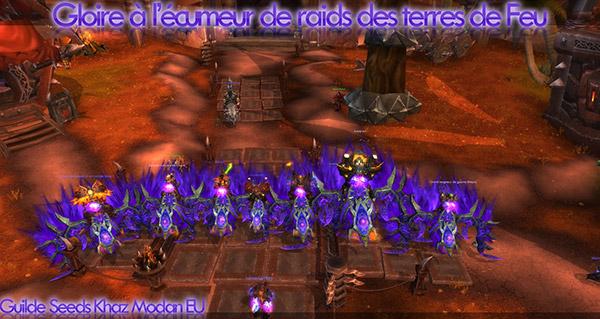 Les membres de la guilde Seeds sur leur Faucon de feu corrompu