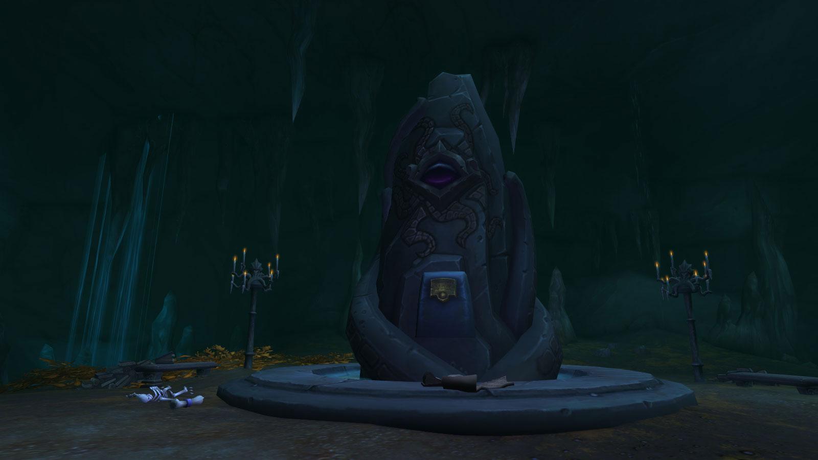 Retournez à l'autel menaçant dans la grotte sous-marine