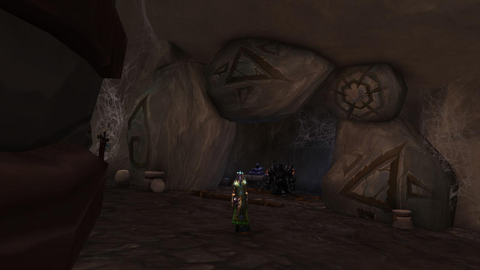 Le Gardemort d'obsidienne est immobile jusqu'à ce que vous l'activiez