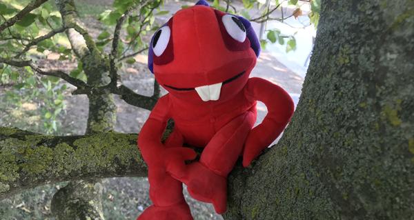 la peluche murgl et le mug murloc rouge sont vendues en avant premiere a la japan expo