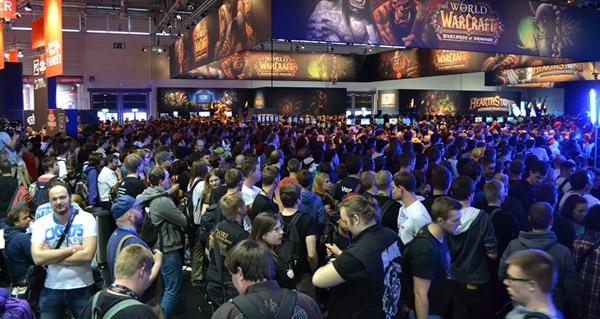 Gamescom 2014 : images de la foule au stand Blizzard