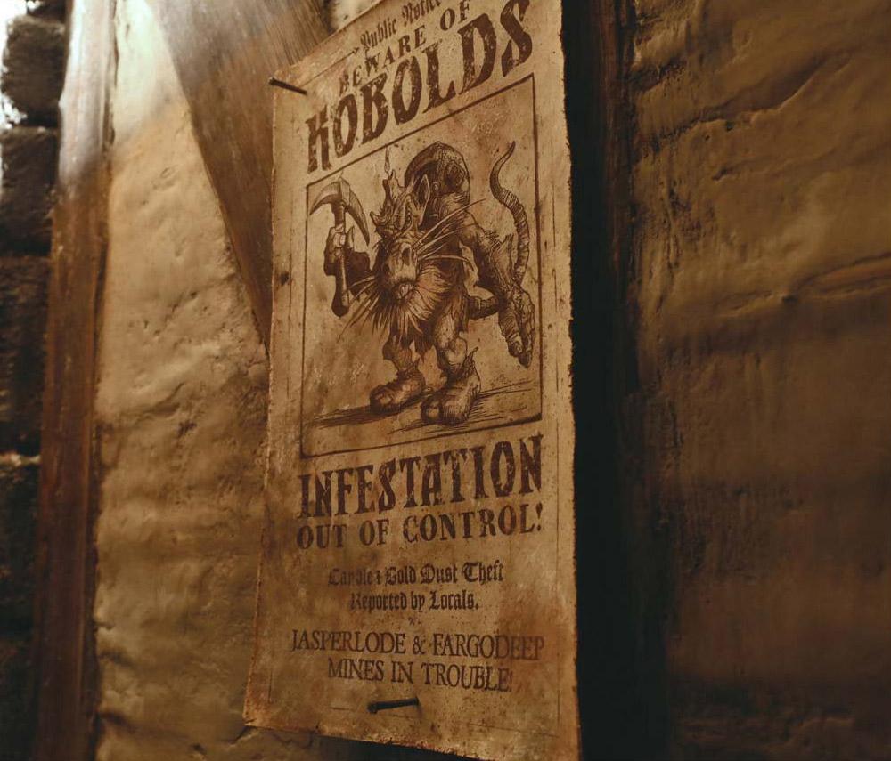 Photo tirée du film Warcraft : une affiche qui prévient l'infestation des Kobolts dans la mine