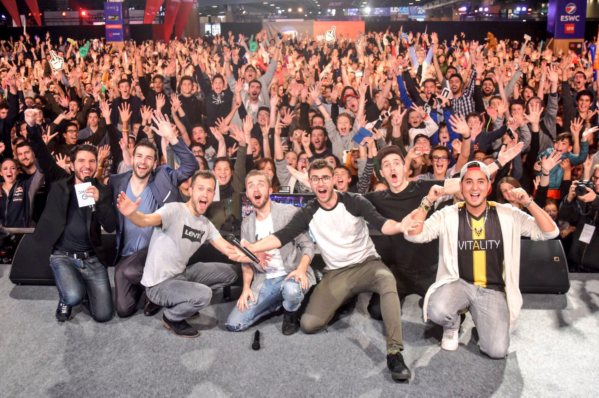 Mamytwink en compagnie de Cyprien et Squeezie lors de la Paris Games Week 2016